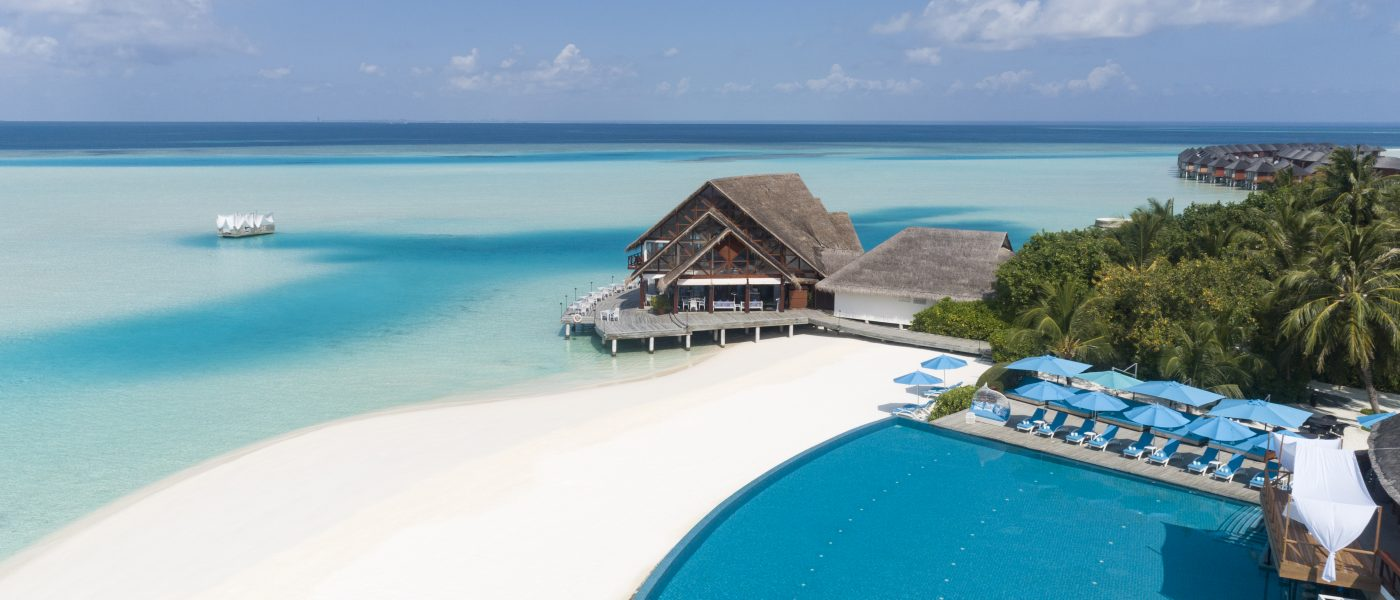 Anantara_Dhigu_Maldives_Resort_Exterior_View_Aerial_Pool